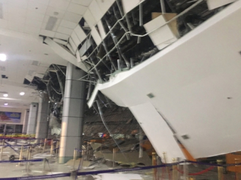 Clark Airport after the April 22 earthquake (from Rappler)